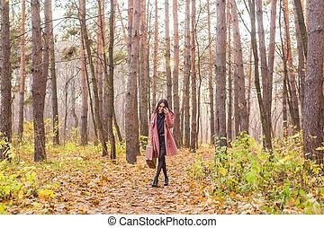 bonito, andar, conceito, estação, pessoas, -, parque, jovem, outono, mulher, outono