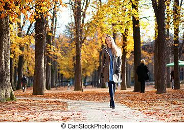 bonito, andar, menina, Dia, outono