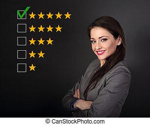 bonito, avaliação, amarela, rewiew., melhor, olhar, experiência., braços dobrados, aumento, confiante, paleto, feliz, classificação, mulher, estrela, negócio, online, escuro, cinco, cinzento, votando, avaliação