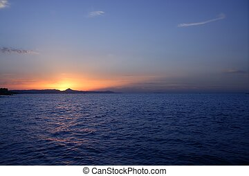 bonito, azul, sol, sobre, céu, oceânicos, pôr do sol, amanhecer, mar, vermelho