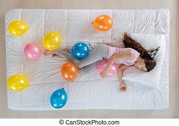 bonito, balloon, menina, segurando, calmo