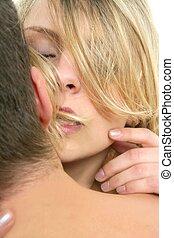 bonito, beijando, mulher, loura, homem