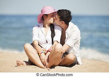 bonito, beijando, par, praia.
