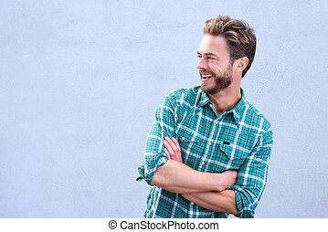 bonito, braços cruzados, homem, rir