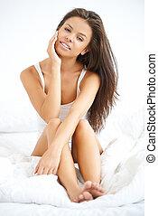bonito, branca, mulher, cama, sentando