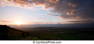 bonito, campo inglês, paisagem, sobre, colinas rolantes