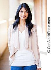 bonito, casual, jovem, indianas, retrato mulher