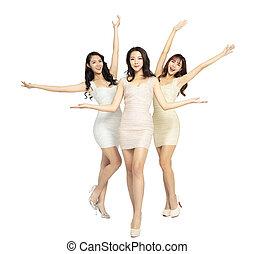 bonito, cheio, grupo, jovem, comprimento, mulher