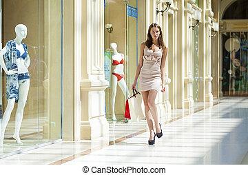 bonito, cheio, jovem, comprimento, retrato mulher