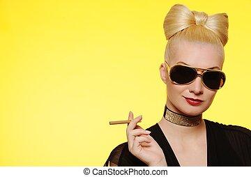 bonito, cigarro, senhora, charming