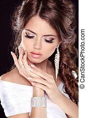bonito, cima., mulher, nails., beleza, noiva, jewelry., fazer, girl., dress., manicured, retrato, branca, moda