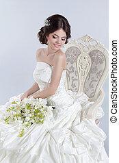 bonito, cinzento, dress., modernos, isolado, luxuoso, noiva, morena, posar, fundo, menina, charming, cadeira, feliz