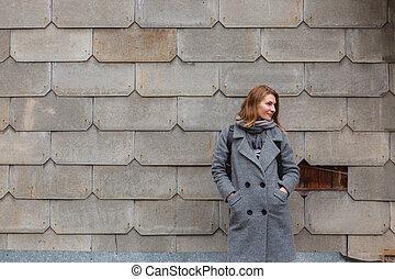 bonito, cinzento, mulher, parede, vindima, jovem, agasalho, ficar, escala, contra, vestido
