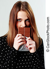bonito, cinzento, mulher segura, jovem, chocolate, fundo