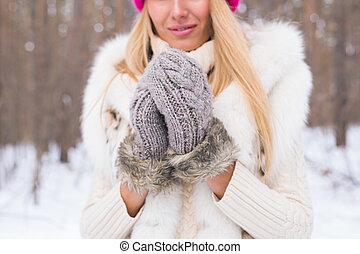bonito, conceito, inverno, pessoas, natureza, parque, -, neve, cima, mulher, jovem, fim, retrato, moda