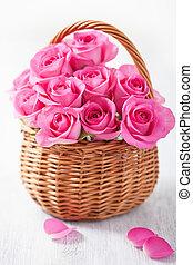 bonito, cor-de-rosa, cesta, rosas