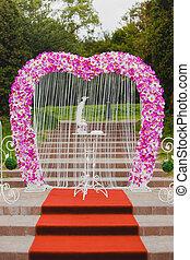 bonito, Cor-de-rosa, ficar, passos, casório, arco, orquídea