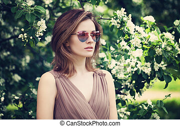 bonito, cor-de-rosa, mulher, óculos de sol, primavera