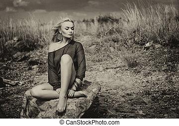 bonito, cor, mulher, sepia, sentando