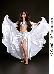 bonito, dancer barriga, mulher, em, branca, brilhar, traje,...