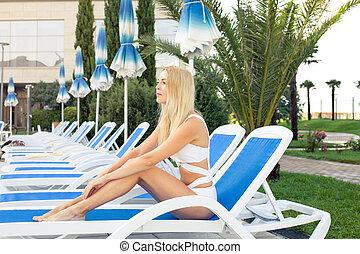 bonito, descansar, fato de banho, jovem, árvores, tropicais,...