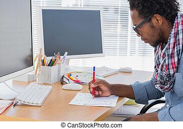 bonito, desenhista, desenho, algo, com, um, lápis vermelho