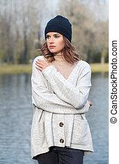bonito, desgastar, mulher, parque, moda, pretas, ao ar livre, modelo, chapéu, gelado, algodão