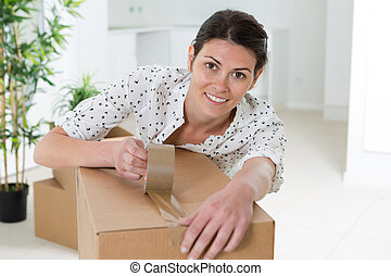 bonito, em movimento, caixa embalagem, menina