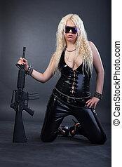 bonito, excitado, menina, rifle