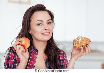 bonito, fazer dieta, mulher, perda peso, saudável, concept., entre, sweets., jovem, alimento., diet., escolher, frutas