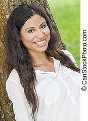 bonito, feliz, mulher hispânica, sorrindo