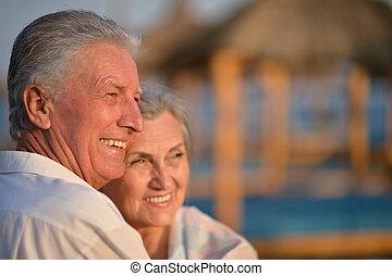 bonito, feliz, par ancião, ligado, praia