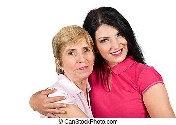 bonito, filha, abraçando, mãe