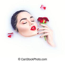 bonito, flor, relaxante, dela, rosa, maquilagem, mão, menina, luminoso, segurando, modelo, banho, leite, vermelho
