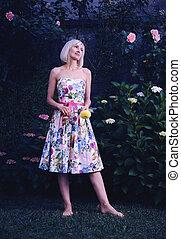 bonito, floral, mulher, vestido