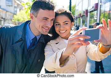 bonito, foto, selfie, fazer, sorrindo, par