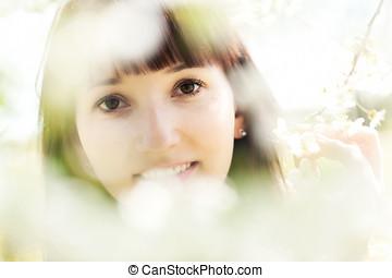 bonito, garden., mulher relaxando, primavera, natural, sorrindo