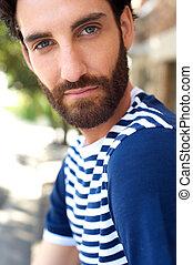 bonito, homem jovem, com, barba