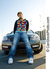 bonito, homem jovem, com, seu, car