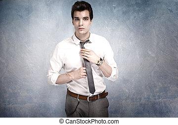 bonito, homem jovem, posing.