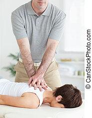 bonito, homem, massaging, um, cute, mulher, pescoço