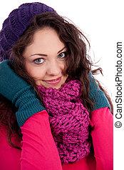 bonito, jovem, menina sorridente, com, chapéu, e, echarpe, em, inverno