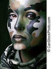 bonito, jovem, moda, mulher, com, militar, estilo, roupa, e, pintura cara, maquiagem, cáqui, cores, dia das bruxas, celebração