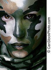 bonito, jovem, moda, mulher, com, militar, estilo, roupa, e, pintura cara, maquiagem, cáqui, cores, dia das bruxas, celebração, swag