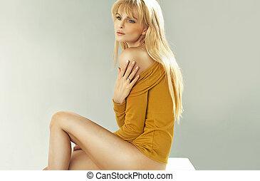 bonito, loiro, mulher, com, perfeitos, corporal