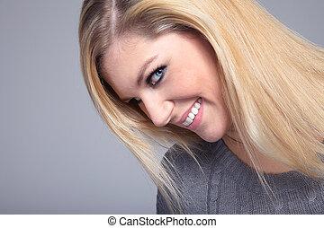 bonito, loiro, mulher, sorrisos