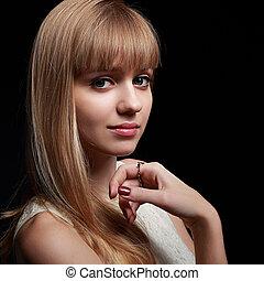 bonito, longo, cabelo loiro, mulher olha, ligado, experiência preta