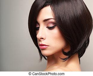 bonito, luminoso, maquilagem, mulher, perfil, com, pretas, cabelo curto
