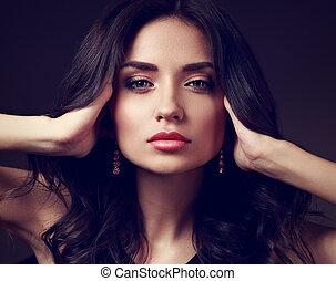 bonito, maquilagem, mulher, com, cor-de-rosa, batom, e, longo, cabelo ondulado, olhar, calm., closeup, moda, portrait., toned, arte