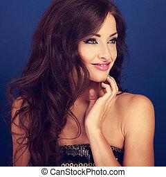 bonito, maquilagem, mulher, com, longo, volume, penteado, ligado, luminoso azul, fundo, looking., closeup, retrato